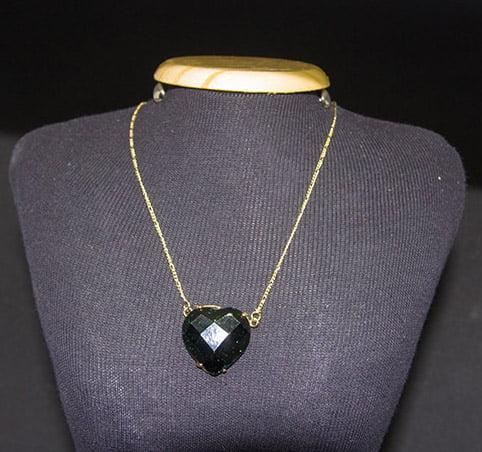 Colar de Pedra Estrela Verde Coração - Helena Cristais