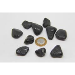 Pacote de Pedra Turmalina Negra Rolada 10 UN - Helena Cristais