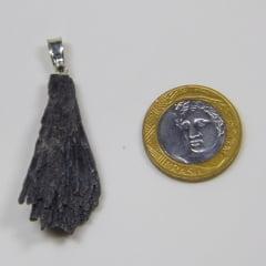 Pingente de Pedra Cianita Preta 3x5cm