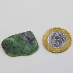 Pedra Rubi com Zoisita Rolada 2×3,5cm