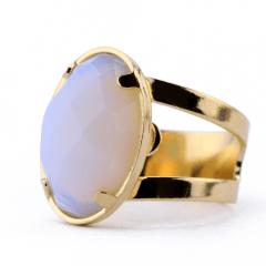 Anel de Opalina Banhado a Ouro