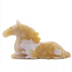 Cavalo de Pedra Calcita Mel 782 g