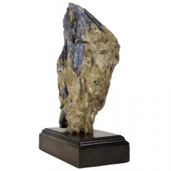 Pedra Cianita Azul Bruta na Base 10